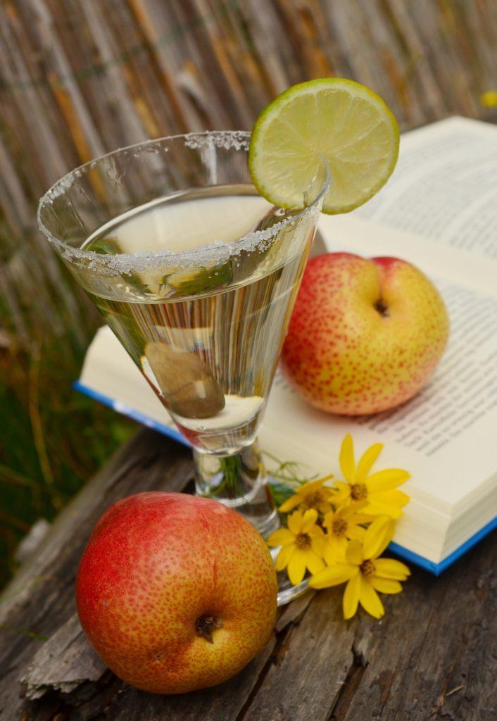 apple-martini_appletini01